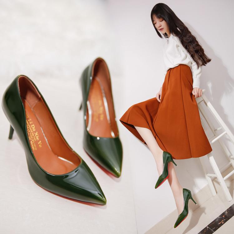 绿色高跟鞋 2016秋季新款变色高跟鞋尖头细跟时尚女鞋漆皮浅口性感绿色ol单鞋_推荐淘宝好看的绿色高跟鞋