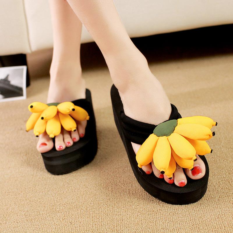 香蕉松糕鞋 泰国旅游花朵夹脚拖 松糕坡跟厚底香蕉高跟人字拖 女款沙滩拖鞋_推荐淘宝好看的女香蕉松糕鞋