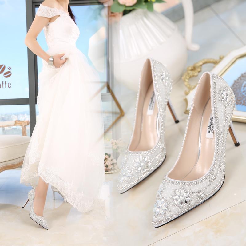 水钻高跟鞋 夏新款水晶鞋新娘鞋浅白色水钻高跟鞋婚纱鞋尖头中跟细跟婚鞋女秋_推荐淘宝好看的女水钻高跟鞋
