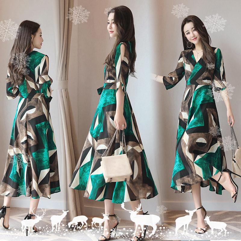 绿色连衣裙 2017夏装新款女装气质V领印花修身大摆长裙显瘦长款雪纺连衣裙女_推荐淘宝好看的绿色连衣裙