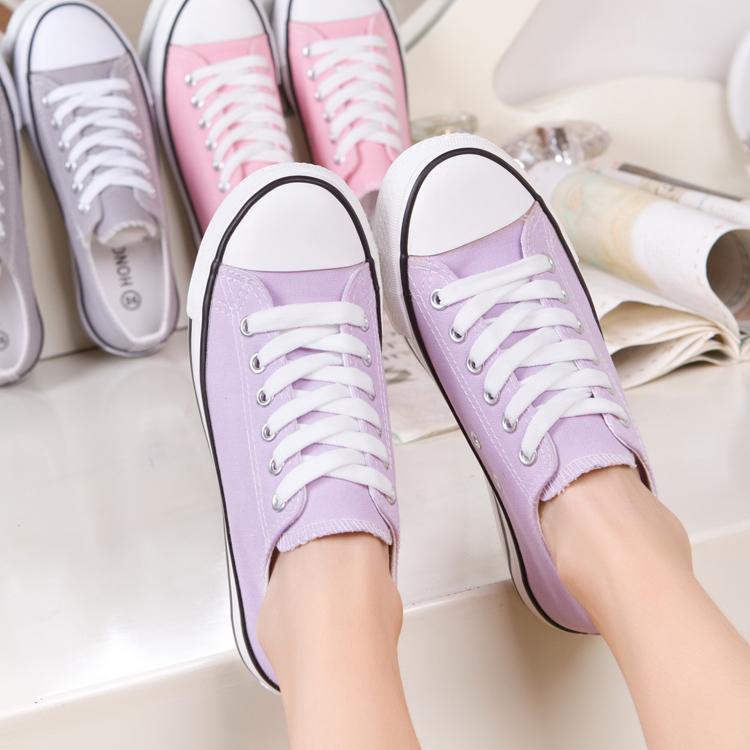 紫色平底鞋 平底低帮浅紫色女鞋韩版潮糖果色帆布鞋休闲鞋女学生淡紫色帆布鞋_推荐淘宝好看的紫色平底鞋
