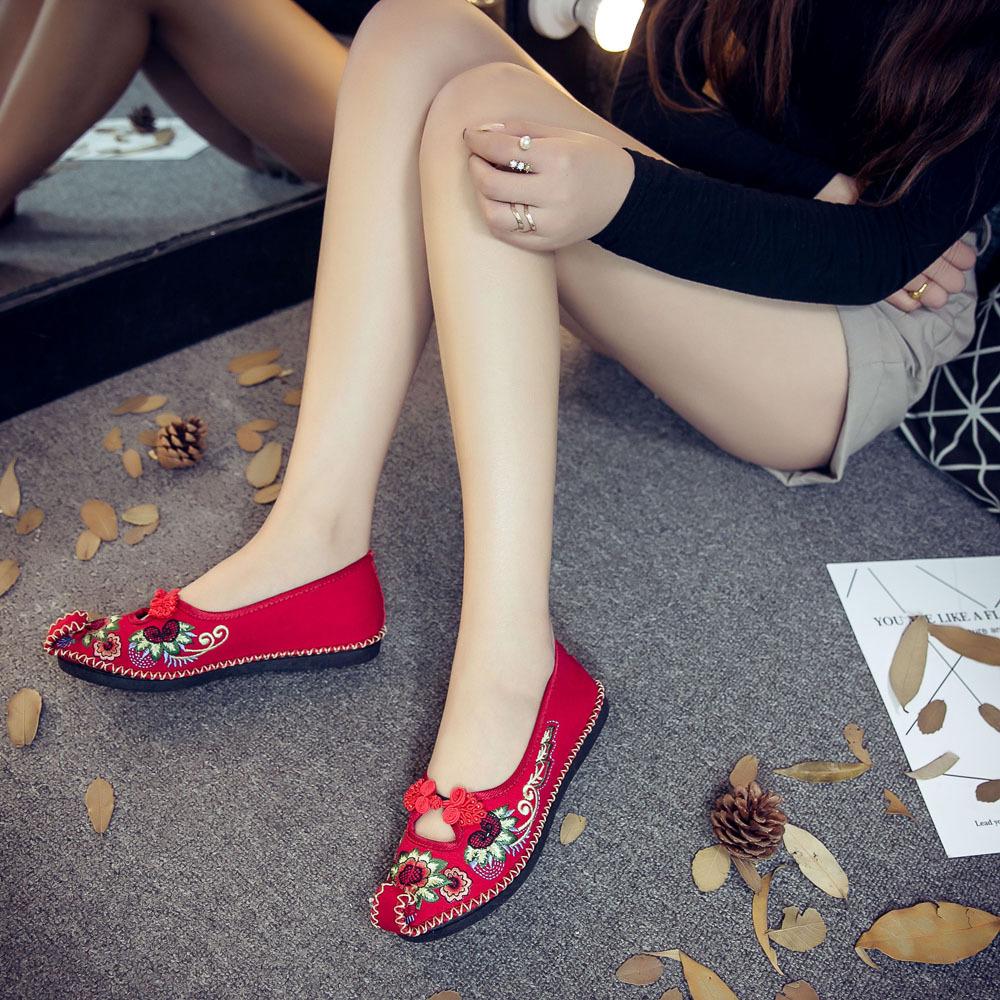 红色平底鞋 手工缝纫中式婚鞋秀禾鞋汉服红色绣花鞋老北京布鞋软底平底女单鞋_推荐淘宝好看的红色平底鞋