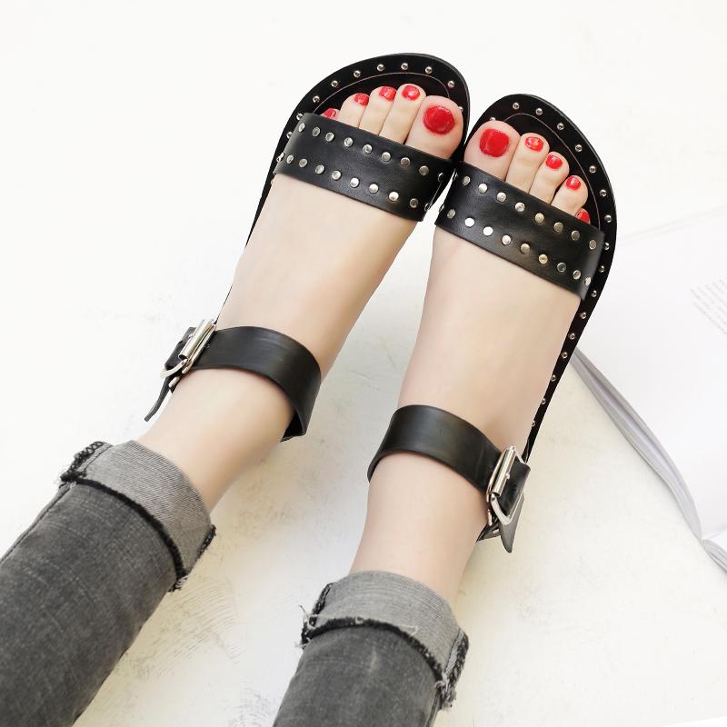 黑色罗马鞋 凉鞋女夏韩国2017新款黑色铆钉平底罗马学生单鞋百搭时尚一字扣鞋_推荐淘宝好看的黑色罗马鞋