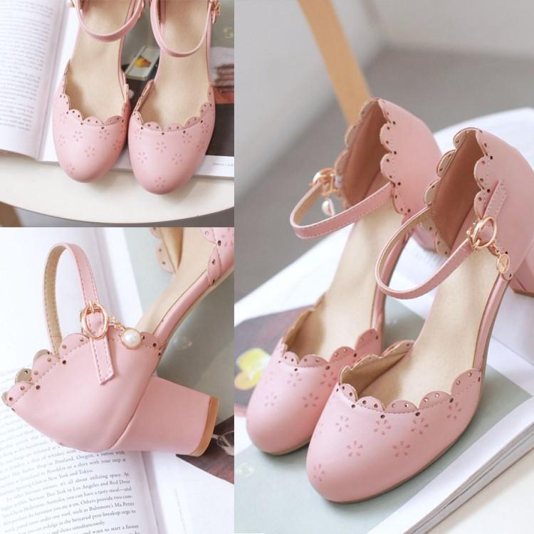 粉红色凉鞋 2017夏季新款时尚韩版粗跟矮跟一字式扣带甜美公主百搭粉红色凉鞋_推荐淘宝好看的粉红色凉鞋