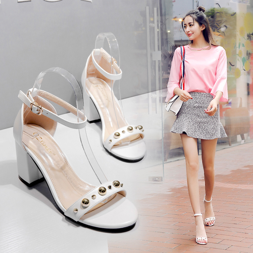 白色罗马鞋 欧美白色凉鞋女夏季2017新款百搭露趾粗跟罗马凉鞋一字扣带高跟鞋_推荐淘宝好看的白色罗马鞋