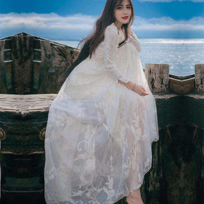 白色蕾丝连衣裙 森女系秋装白色复古大摆刺绣蕾丝连衣裙显瘦海边度假沙滩长裙仙女_推荐淘宝好看的白色蕾丝连衣裙
