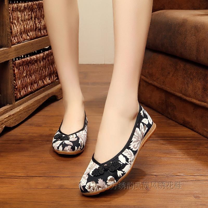单鞋 老北京女布鞋平跟平底绣花鞋牛筋底中老年女花布鞋老太太防滑单鞋_推荐淘宝好看的女单鞋