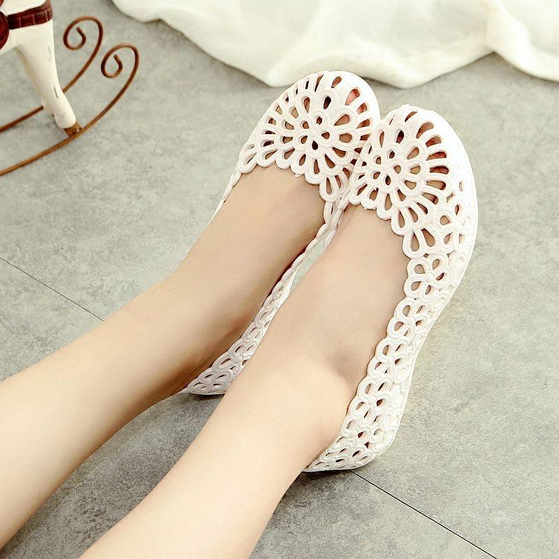 白色凉鞋 夏季新款超软白色护士鞋鸟巢镂空洞洞鞋妈妈鞋工作鞋透气沙滩凉鞋_推荐淘宝好看的白色凉鞋