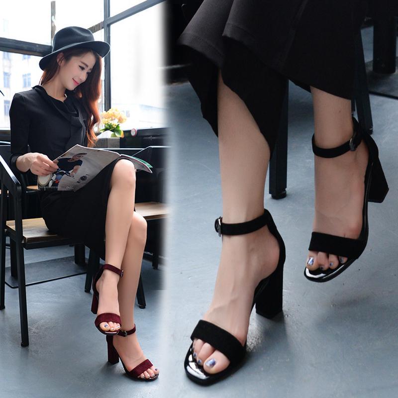 黑色罗马鞋 2017夏季一字扣带中跟粗跟凉鞋女OL职业女鞋黑色露趾凉鞋罗马鞋_推荐淘宝好看的黑色罗马鞋