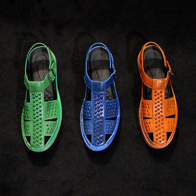 绿色罗马鞋 JINIWU2106夏重拳设计铆钉全身手涂牛皮蓝色橙色绿色包头罗马凉鞋_推荐淘宝好看的绿色罗马鞋