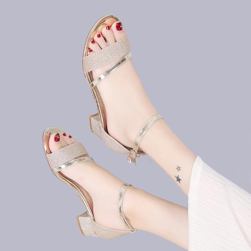 最新款高跟凉鞋 中跟凉鞋水钻2017夏季新款时尚罗马女鞋粗跟女士鞋子高跟韩版百搭_推荐淘宝好看的女新款高跟凉鞋