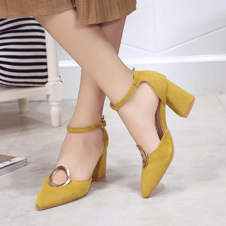 黄色凉鞋 2017夏季新款绒面粗跟单鞋高跟一字扣尖头浅口女鞋讲黄色中跟凉鞋_推荐淘宝好看的黄色凉鞋