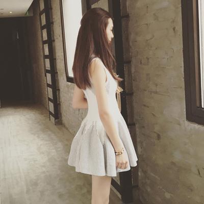 条纹连衣裙 2016秋装新款女装韩版无袖条纹修身白色针织连衣裙A字打底蓬蓬裙_推荐淘宝好看的条纹连衣裙