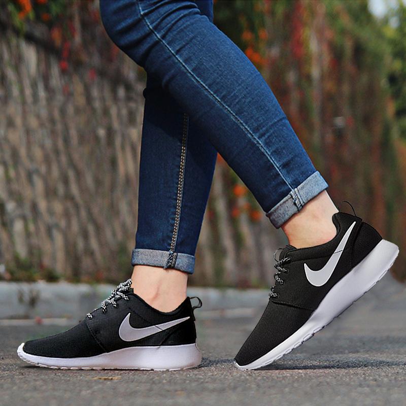 耐克女运动鞋 Nike耐克女鞋ROSHE ONE黑白奥利奥透气网面运动休闲跑步鞋 844994_推荐淘宝好看的女耐克女运动鞋