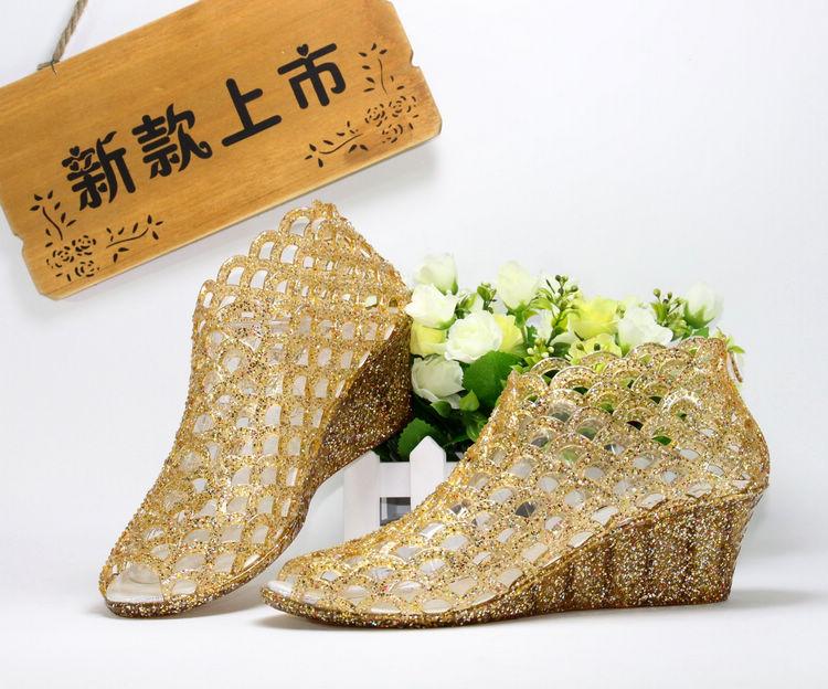 罗马高跟鞋 夏季新款罗马凉鞋坡跟洞洞鞋女水晶果冻鱼嘴鞋塑料鞋高跟鞋鸟巢鞋_推荐淘宝好看的女罗马高跟鞋