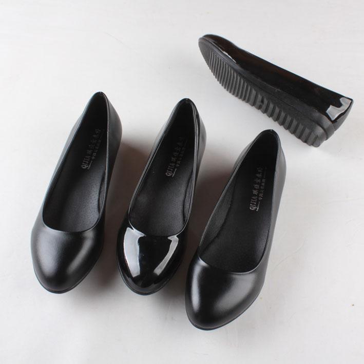 低跟坡跟鞋 低跟黑色皮鞋平底女单鞋工作鞋坡跟厚底漆皮瓢鞋35-43码加大码_推荐淘宝好看的低跟坡跟鞋