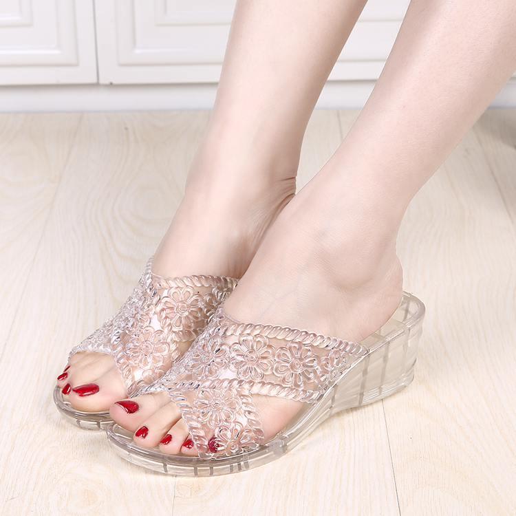 水晶坡跟鞋 夏季透明水晶果冻凉拖鞋熟胶塑料软底韩版中跟坡跟妈妈鞋女士防滑_推荐淘宝好看的水晶坡跟鞋