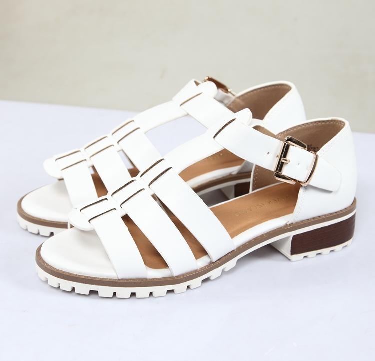 白色罗马鞋 纯白色夏天上新松糕厚底街头角斗士复古粗跟实用低跟时尚罗马凉鞋_推荐淘宝好看的白色罗马鞋