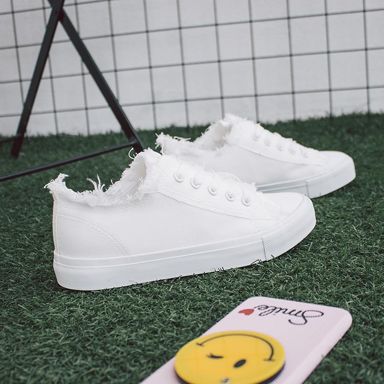 白色平底鞋 秋季白色帆布鞋女学生韩版平底系带板鞋百搭布鞋子流苏平跟小白鞋_推荐淘宝好看的白色平底鞋