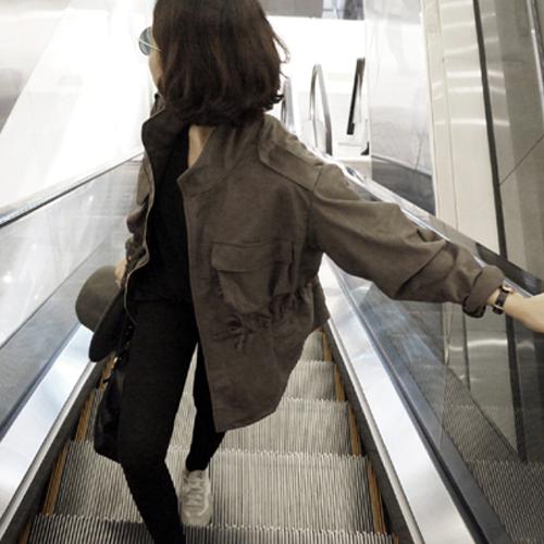 短款风衣 天天特价韩国外套薄款韩版学生鹿皮绒百搭休闲工装风衣女短款夹克_推荐淘宝好看的女短款风衣