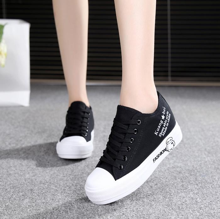 白色帆布鞋 明星同款鞋子学生厚底板鞋白色高帮休闲鞋韩版内增高帆布鞋女鞋_推荐淘宝好看的白色帆布鞋