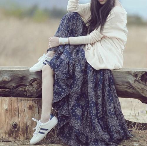 蓝色碎花连衣裙 2017夏季新款大码碎花吊带连衣裙波西米亚大摆显瘦沙滩拖地长裙女_推荐淘宝好看的蓝色碎花连衣裙