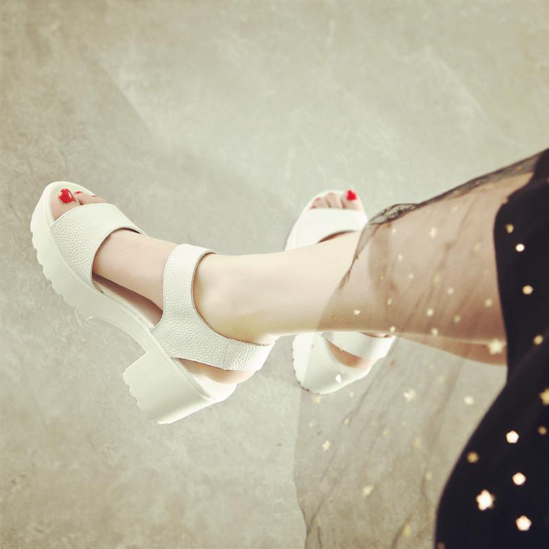 凉鞋松糕鞋 2017新款凉鞋女夏季中跟白色粗跟松糕鱼嘴厚底真皮防水台高跟女鞋_推荐淘宝好看的女凉鞋松糕鞋