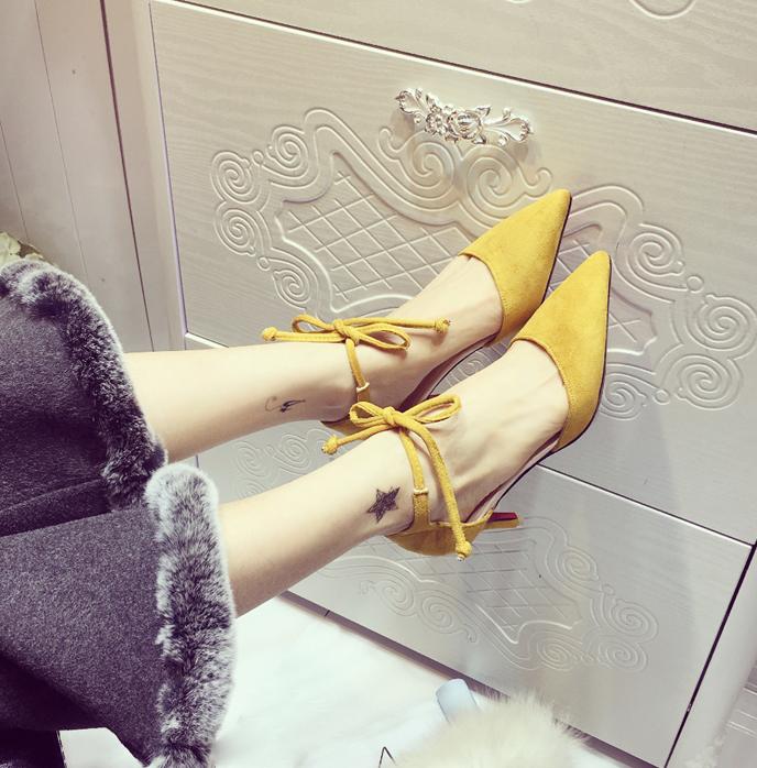黄色单鞋 2017尖头黄色交叉绑带年宴会中跟鞋尖头水钻新伴娘婚鞋细跟单鞋女_推荐淘宝好看的黄色单鞋