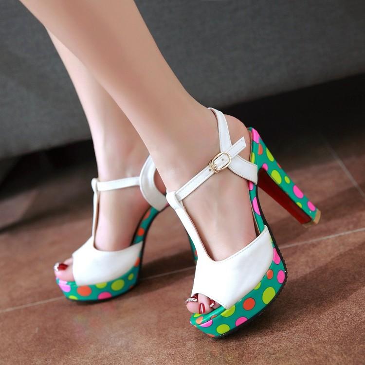 粉红色鱼嘴鞋 夏季超高跟大码T型绑带白色鱼嘴欧美伴娘粉红色丁字式扣带凉鞋_推荐淘宝好看的粉红色鱼嘴鞋