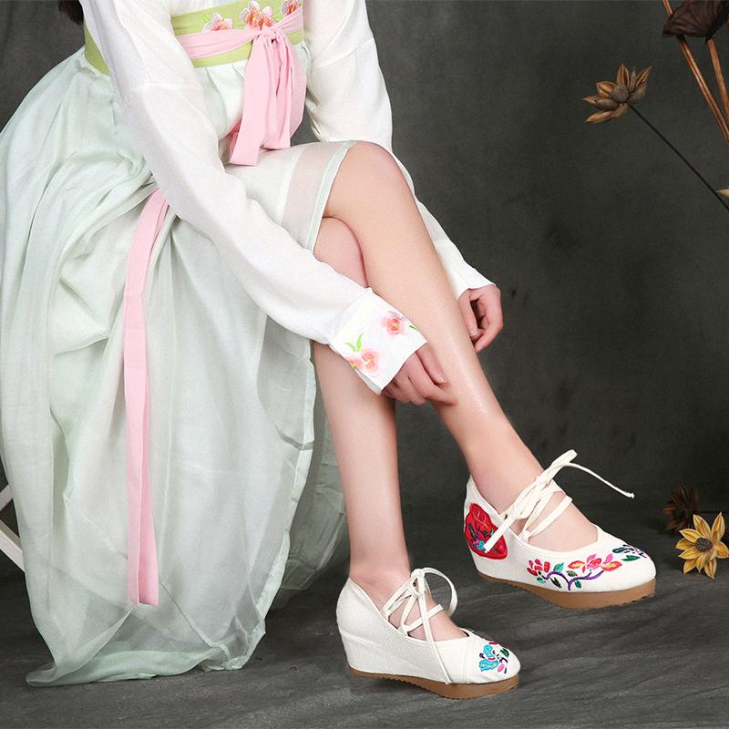 绿色坡跟鞋 鞋汉服 绿色绣花鞋坡跟复古中国风传统布鞋内增高高跟老北京布鞋_推荐淘宝好看的绿色坡跟鞋