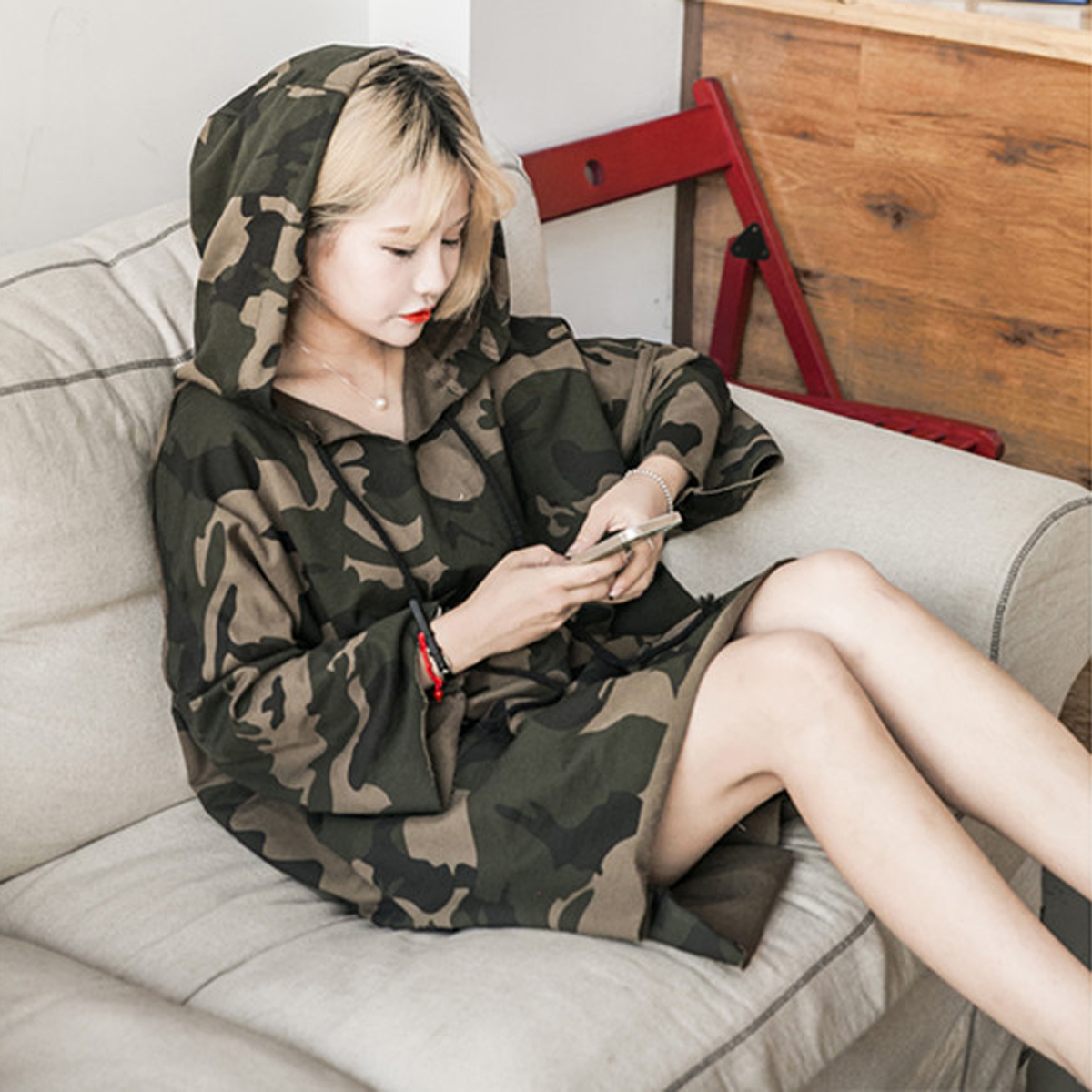 韩版卫衣 薄款春秋迷彩套头中长款带帽子的卫衣女韩版潮学生长衫外套闺蜜装_推荐淘宝好看的女韩版卫衣