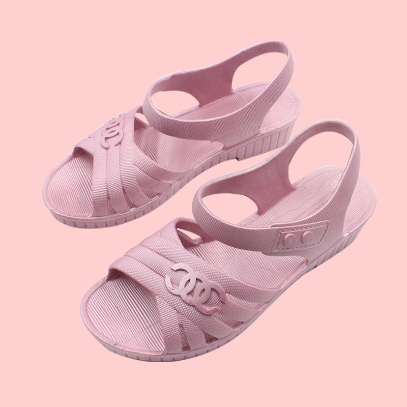 坡跟凉鞋 夏季新品塑料妈妈鞋坡跟凉鞋女中年软底防滑套脚大码中老年凉鞋女_推荐淘宝好看的女坡跟凉鞋