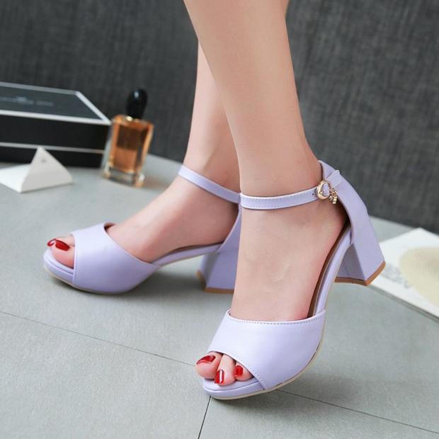 紫色鱼嘴鞋 夏新款小码鱼嘴鞋33紫色粗跟搭扣中跟凉鞋米色简约工作鞋大码4043_推荐淘宝好看的紫色鱼嘴鞋