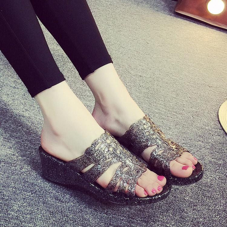 水晶坡跟鞋 夏季新款拖鞋 女 水晶高跟凉拖鞋坡跟一字拖室内洗澡鞋沙滩洞洞鞋_推荐淘宝好看的水晶坡跟鞋