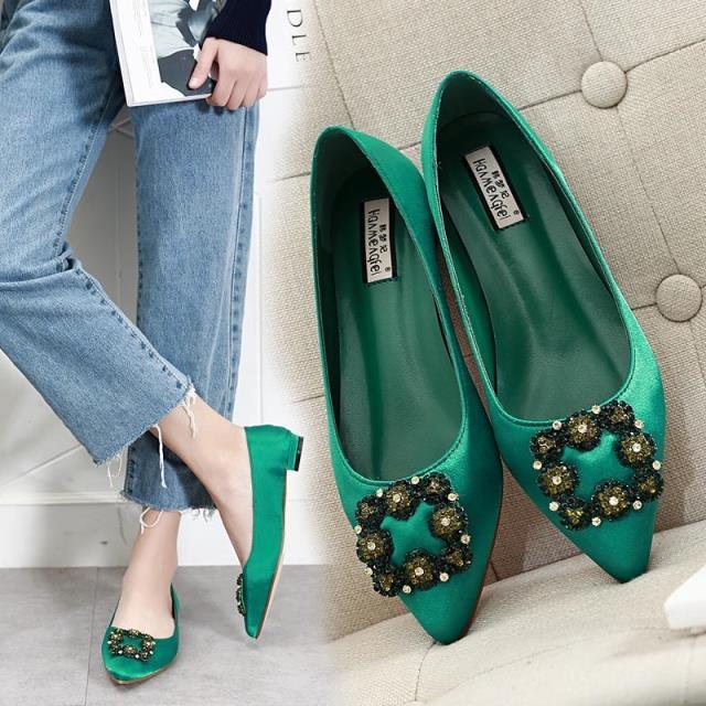绿色平底鞋 2017春季新款真丝绸缎低跟尖头水钻方扣绿色欧美浅口平底单鞋子女_推荐淘宝好看的绿色平底鞋
