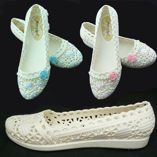 白色凉鞋 夏天季新款平底小白色护士塑料凉鞋子女式沙滩洞洞镂空妈妈工作鞋_推荐淘宝好看的白色凉鞋