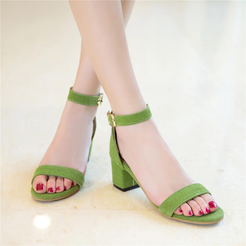 绿色凉鞋 绿色凉鞋女2017新款韩版百搭搭扣女鞋时尚时装鞋粗跟露趾中高跟鞋_推荐淘宝好看的绿色凉鞋