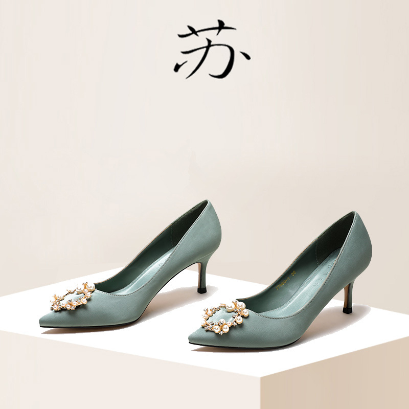 绿色高跟鞋 单鞋2020春季新款小清新少女仙女钻扣淡绿色5cm细跟中跟高跟鞋女_推荐淘宝好看的绿色高跟鞋