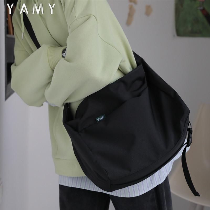 黑色斜挎包 斜挎包男日系学生包包黑色女大容量大学生上课书包通勤包单肩挎包_推荐淘宝好看的黑色斜挎包
