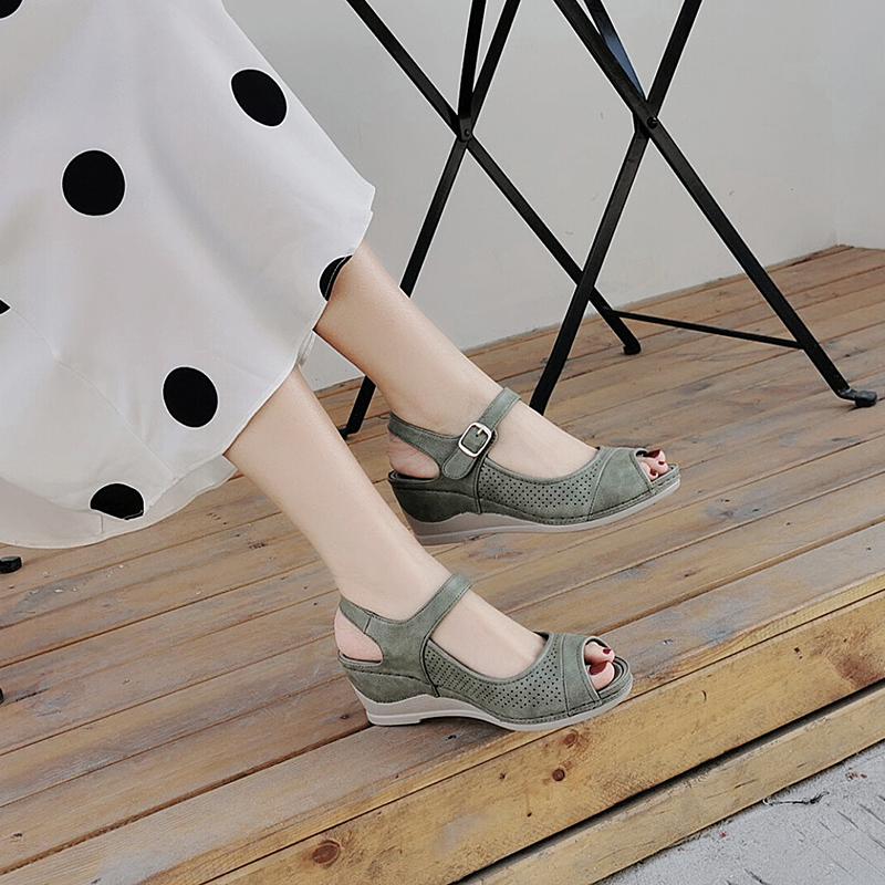 绿色罗马鞋 2021夏新款坡跟厚底女鱼嘴气质仙女风配裙子罗马高跟凉鞋搭扣绿色_推荐淘宝好看的绿色罗马鞋