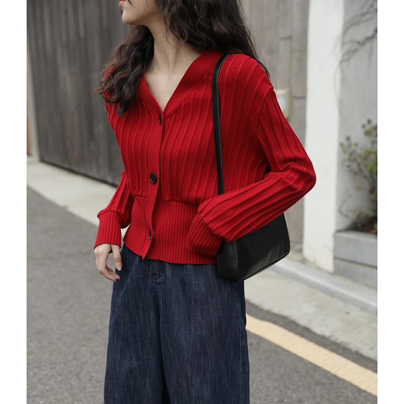 红色针织衫 觅定红色针织衫毛衣开衫外套女2021早秋新款短款V领上衣修身法式_推荐淘宝好看的红色针织衫