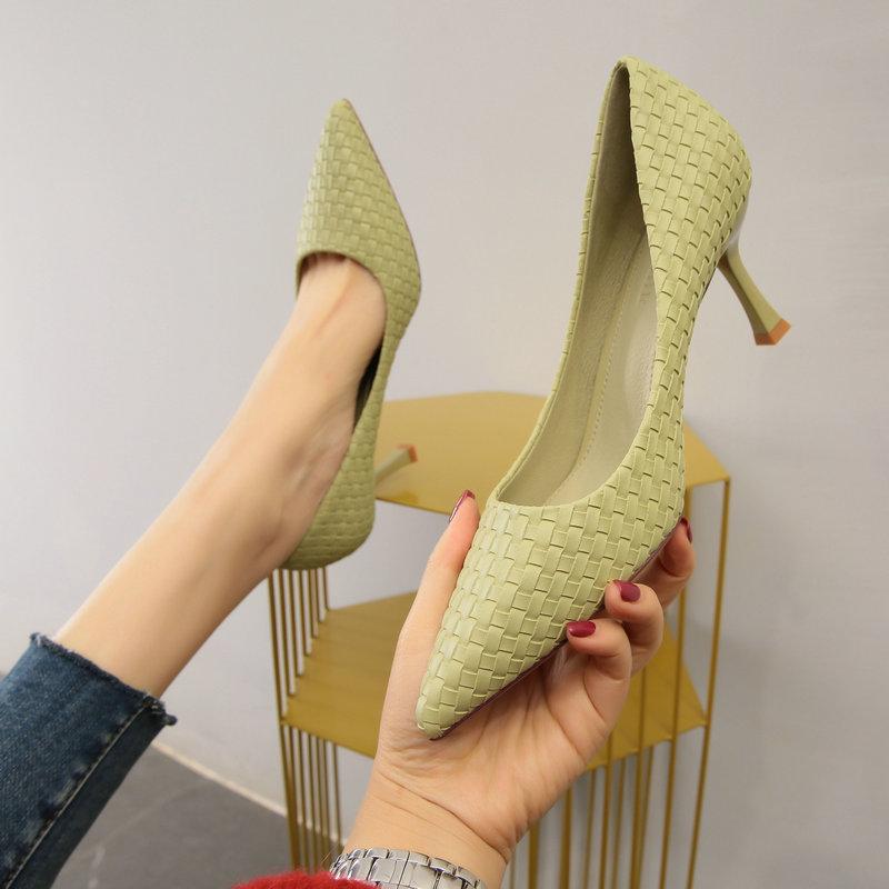 绿色高跟鞋 高跟鞋女细跟小清新少女绿色小跟单鞋2020春新款百搭藤编中跟女鞋_推荐淘宝好看的绿色高跟鞋