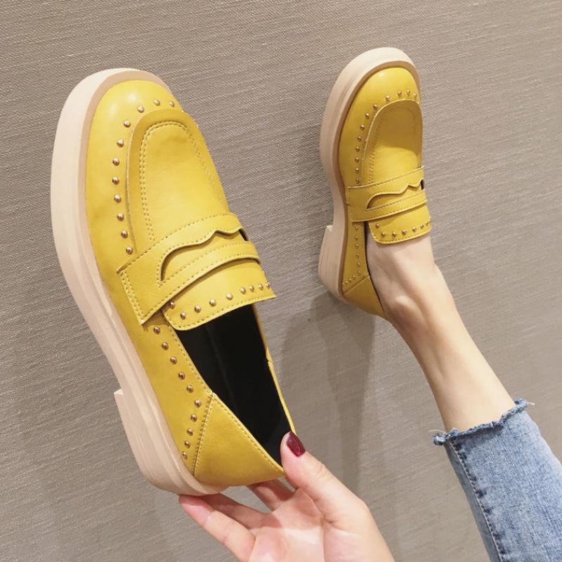 黄色豆豆鞋 柠檬黄色乐福鞋女2021春季两穿皮鞋女英伦风一脚蹬厚底铆钉豆豆鞋_推荐淘宝好看的黄色豆豆鞋