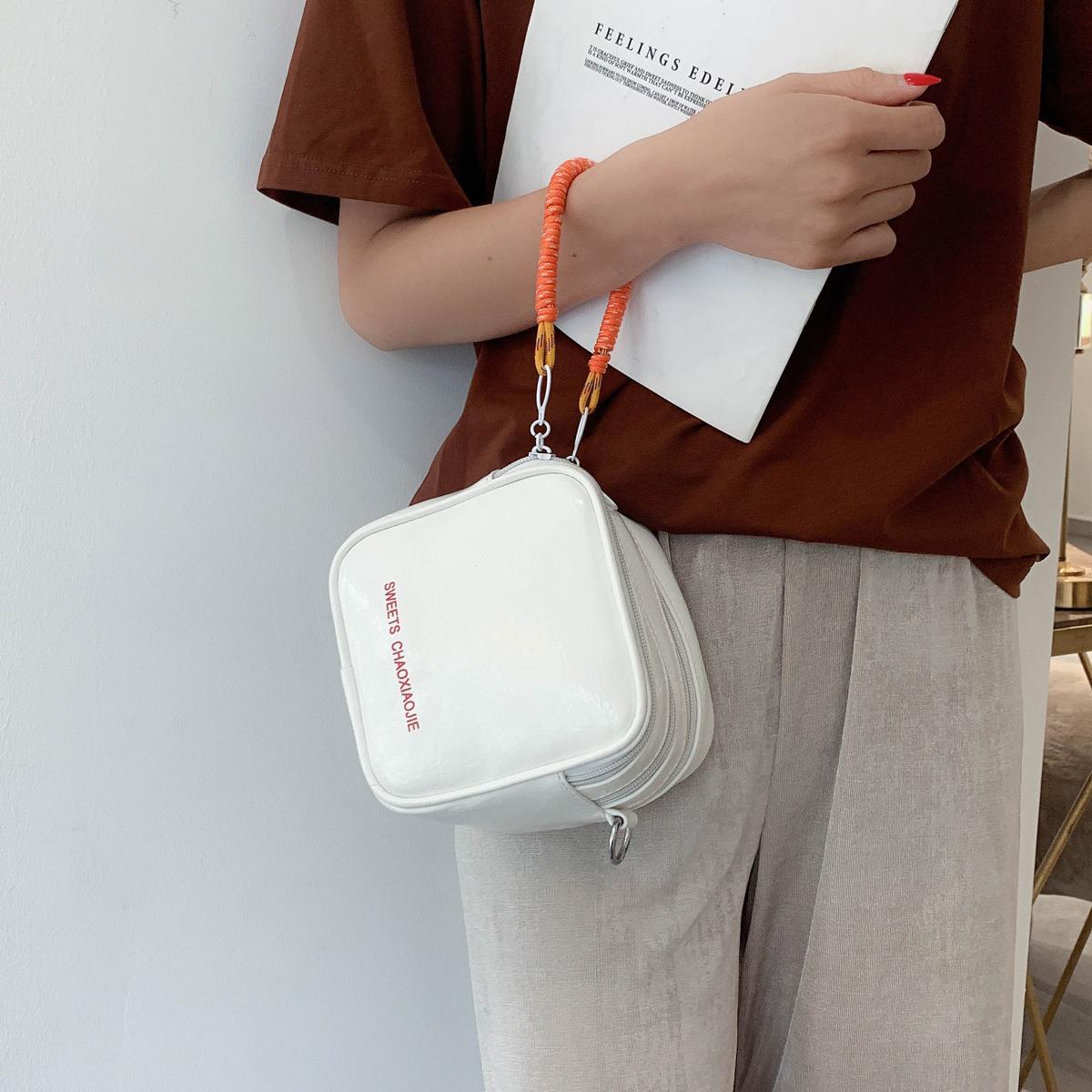白色钱包 新加坡手拎包女小包包2020新款迷你零钱包女韩版斜挎包方块豆腐包_推荐淘宝好看的白色钱包