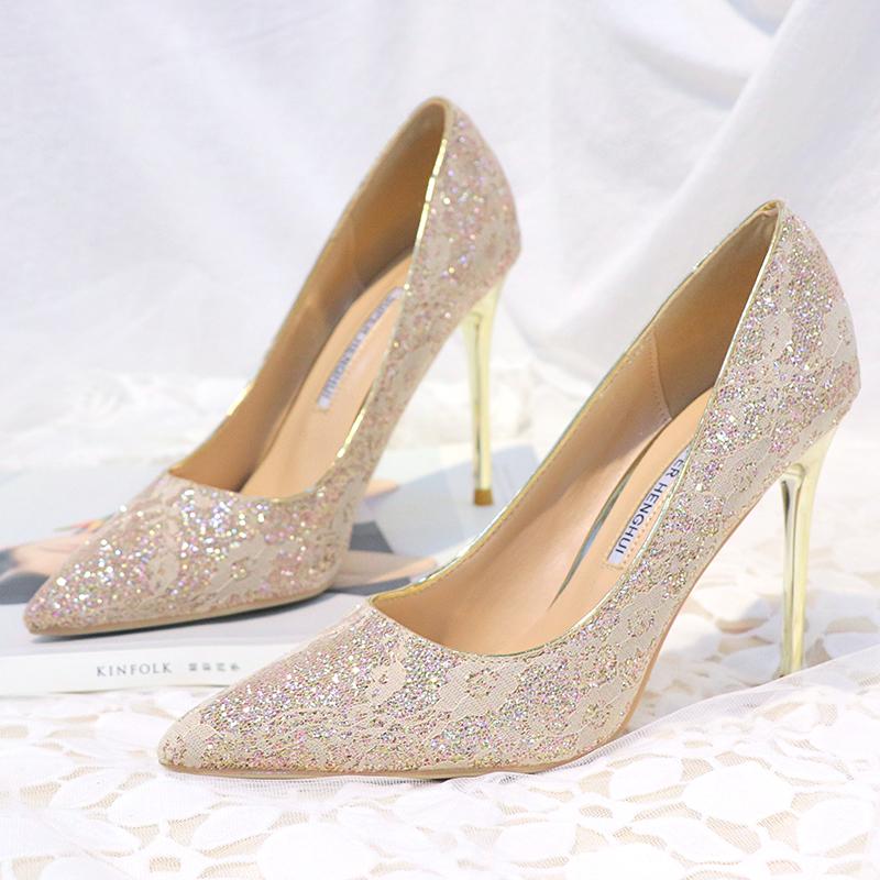 白色尖头鞋 金粉色婚鞋蕾丝高跟鞋浅色尖头细跟单鞋女白色婚纱照新娘鞋宴会鞋_推荐淘宝好看的白色尖头鞋