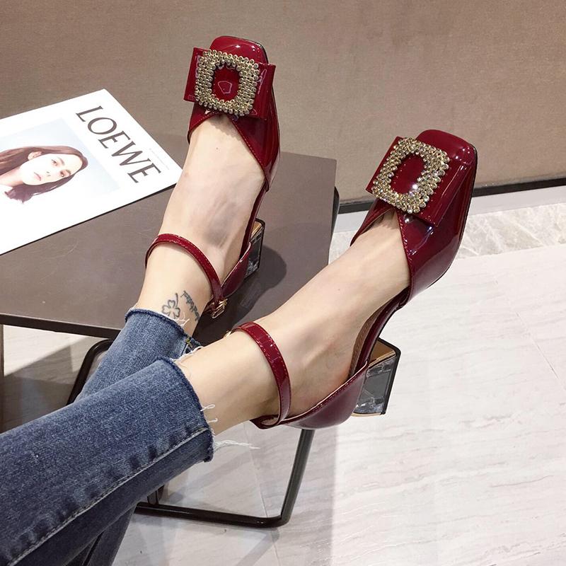 红色凉鞋 包头凉鞋2021夏新款女鞋春季中跟粗跟时装红色高跟一字扣春秋单鞋_推荐淘宝好看的红色凉鞋