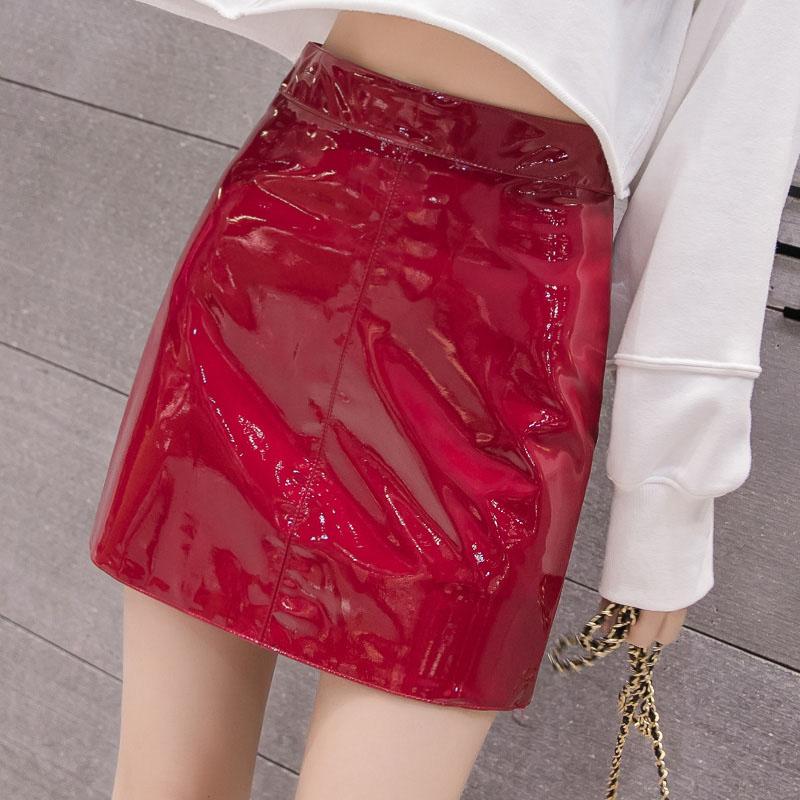 红色半身裙 红色皮裙女春秋季ins超火的半身裙显瘦高腰A字漆皮亮面皮包臀短裙_推荐淘宝好看的红色半身裙