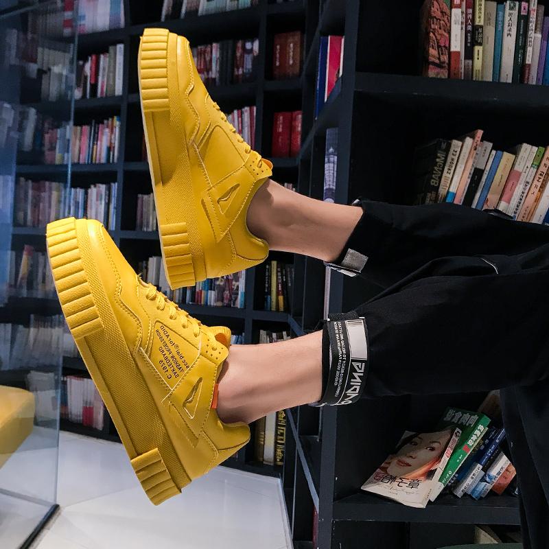 黄色厚底鞋 2020新款板鞋男韩版潮流网红鞋子男潮鞋休闲学生英伦黄色厚底男鞋_推荐淘宝好看的黄色厚底鞋