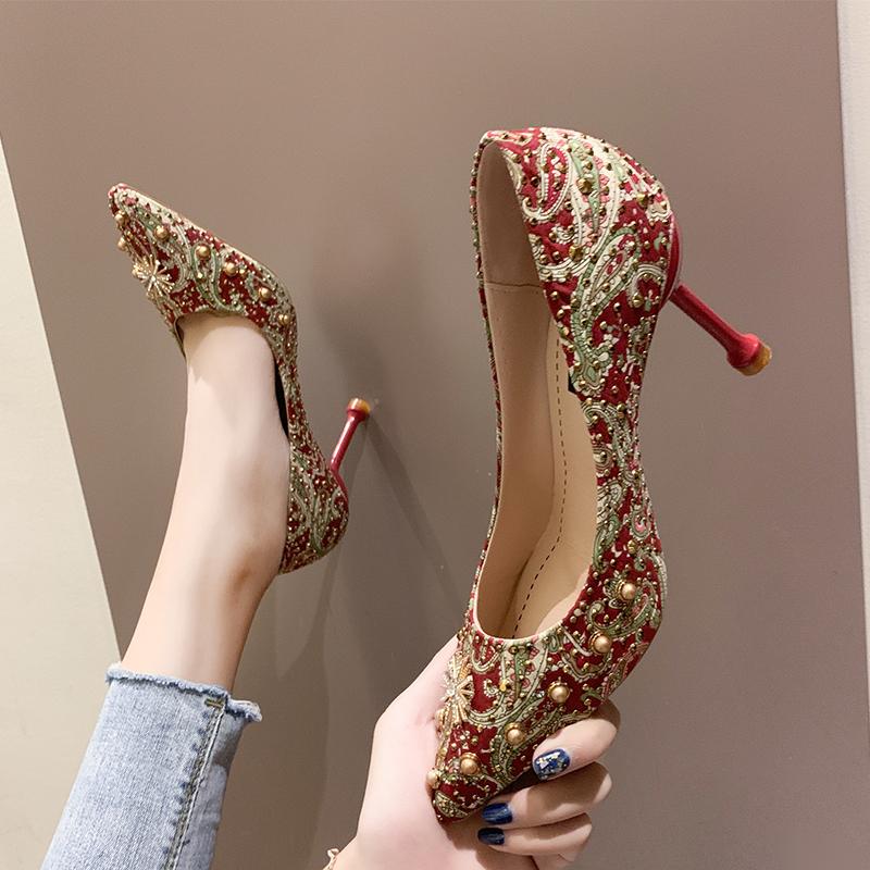 红色高跟鞋 中式婚鞋2020年新款红色高跟鞋细跟百搭网红芥末新娘鞋结婚秀禾鞋_推荐淘宝好看的红色高跟鞋