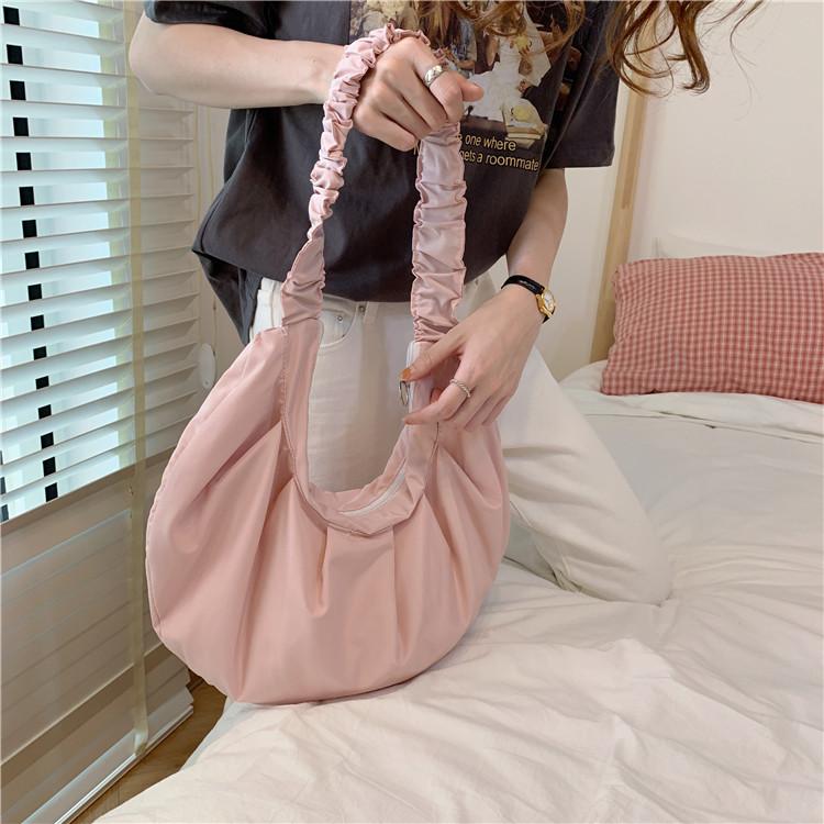 紫色帆布包 日系包包小众设计2020春夏清新皱褶帆布包大容量饺子包女学生布袋_推荐淘宝好看的紫色帆布包